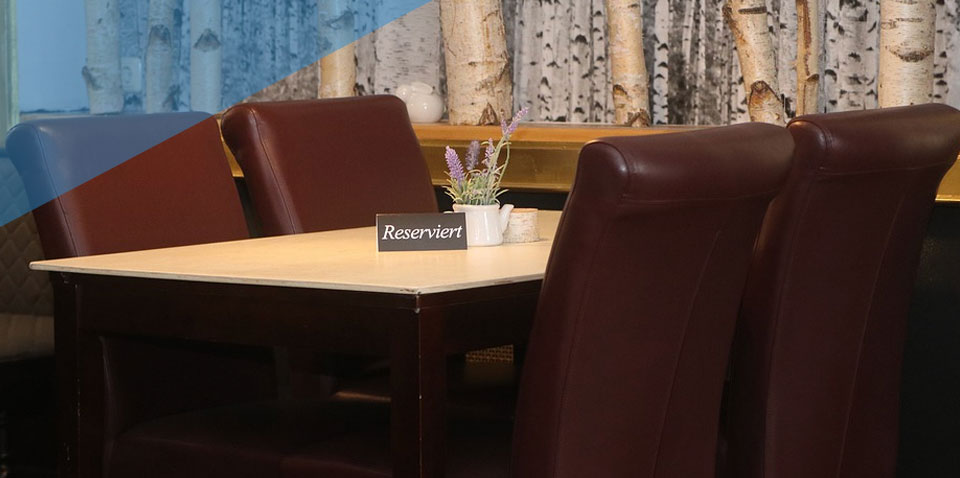 Advice on Booking Tables at Eateries